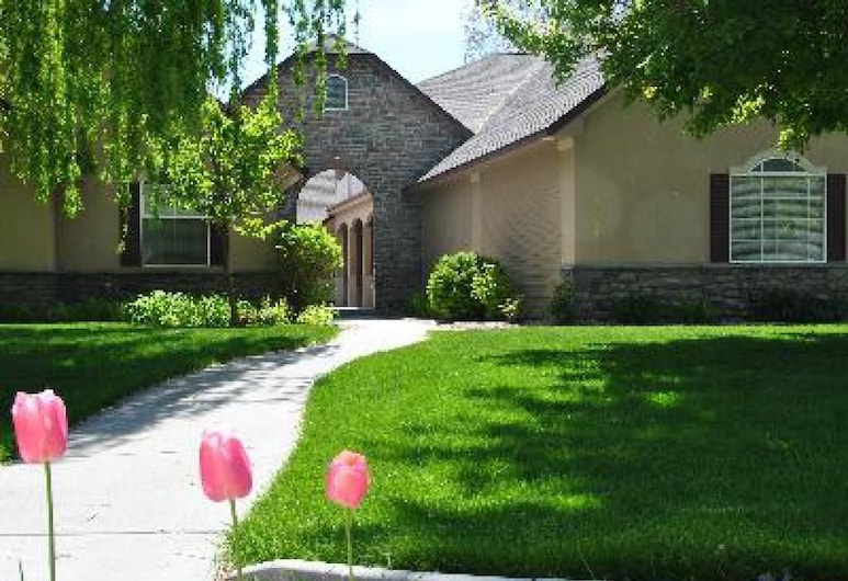 Perfect Moments B&B and Event Venue, Nampa