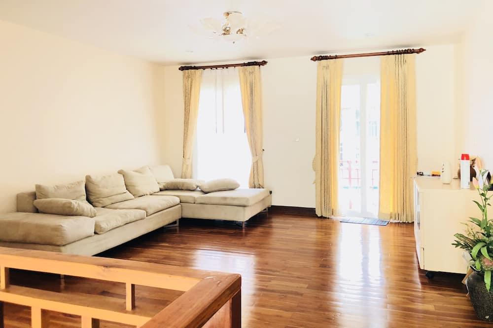 4-Bedroom Villa with Private Pool - Oturma Odası