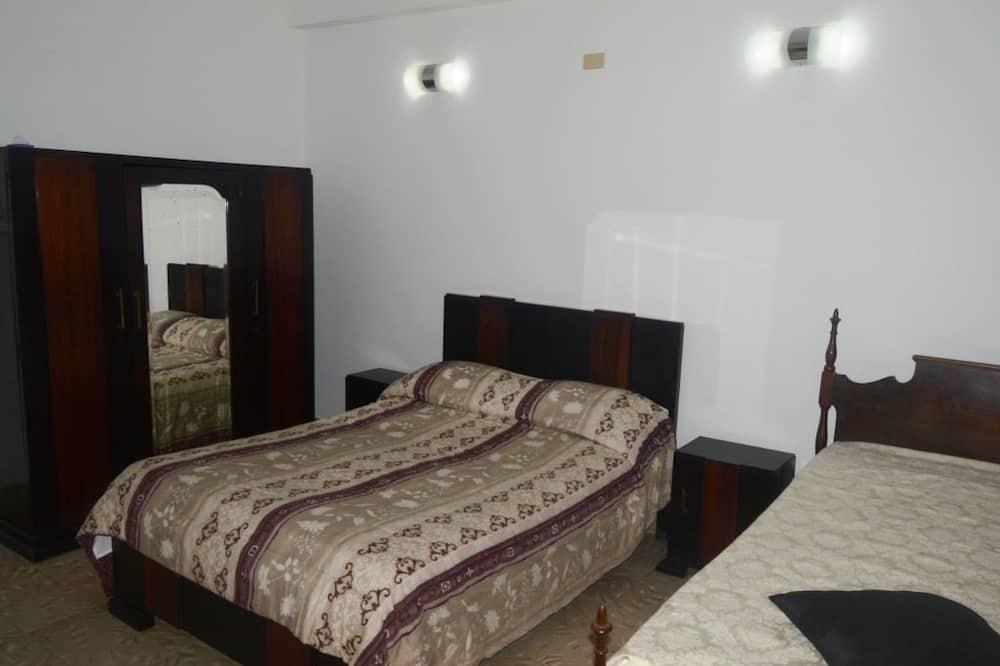 클래식 아파트, 침대(여러 개), 흡연 - 대표 사진