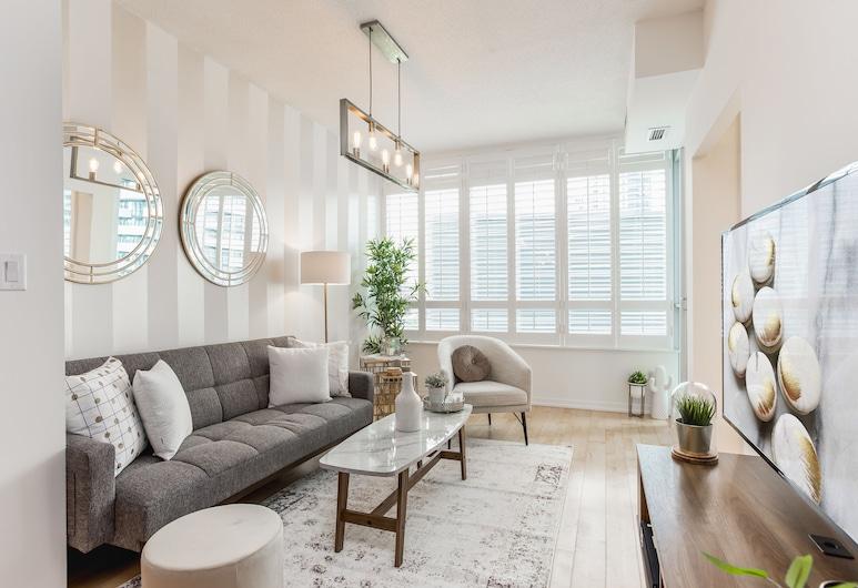 The Maple Boutique Suites, Toronto, Design Condo, 2 Bedrooms, City View, Executive Level, Room