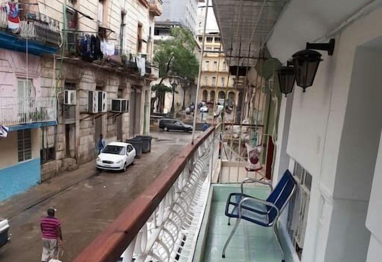Casa de Honoris ( Lo Mas Centrico), Havana, Family Room, Berbilang Katil, Non Smoking, Balcony, Bilik Tamu