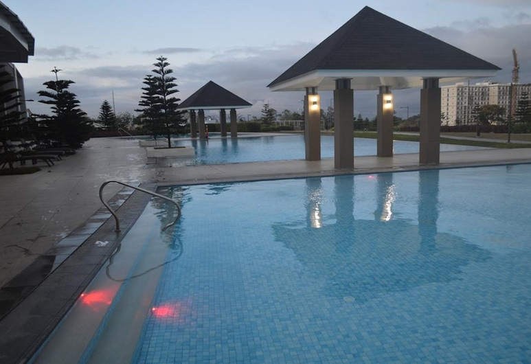 Wind Residences by Bea and RM, Tagaytay, Outdoor Pool