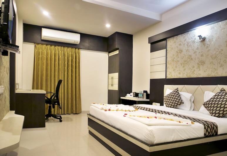 Hotel Ganges Grand, Varanasi, Executive Room, Guest Room