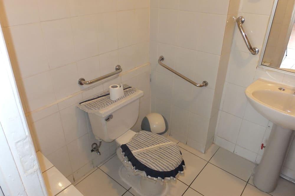 Phòng cơ bản, 2 giường đơn, Phù hợp cho người khuyết tật - Phòng tắm