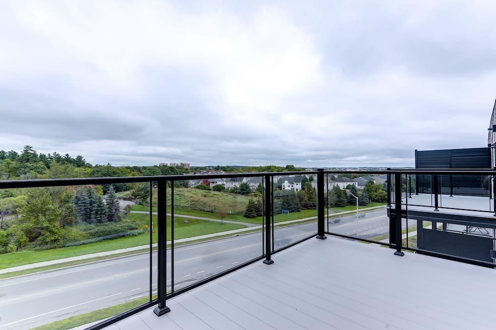 City Apartment, 1 Queen Bed, Non Smoking - Balcony View