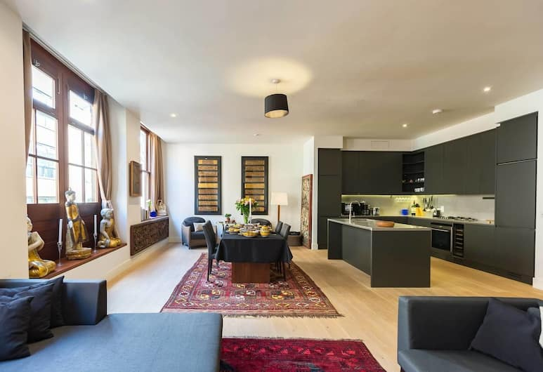 Luxury & Spacious Home in Central London, 4 Guests, London, Living Room