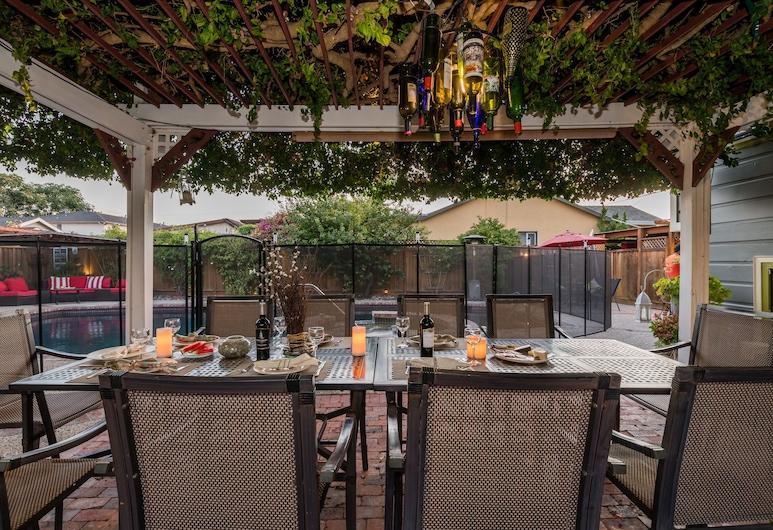 Madison Street Inn B&B, Santa Clara, Refeições no exterior