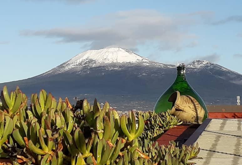 Sunday Estate, Pompei, Exclusive penthouse, 1 queen (nagyméretű) franciaágy (Piramide)