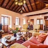 House, 2 Bedrooms, Ocean View - Living Room