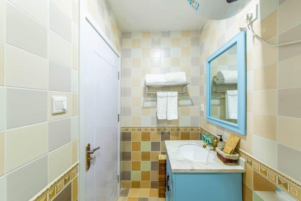 Design Room A - Bathroom
