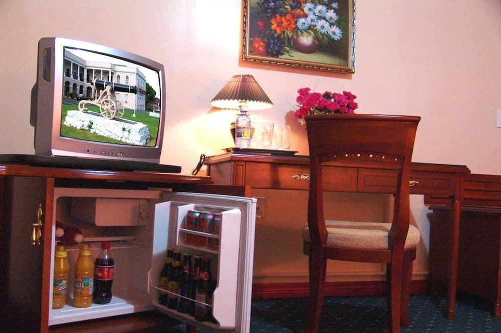 Standard Oda, 1 Tek Kişilik XL Yatak, Sigara İçilmez - Mini Buzdolabı