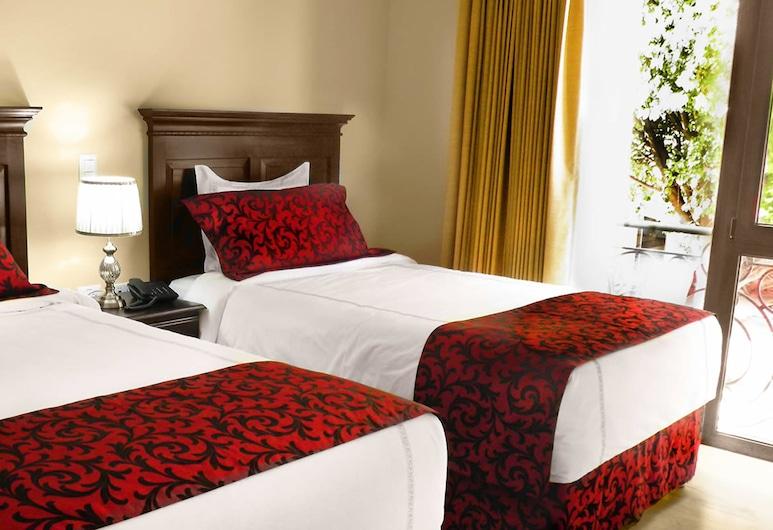 Barolo Hotel, San Salvador, Basic Double Room, 2 Queen Beds, Non Smoking, Guest Room