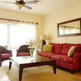 Deluxe Condo, Patio, Sea View - Living Room