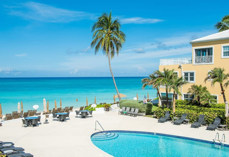 Regal Beach Club #122 by Cayman Vacation , Seven Mile Beach, Außenpool