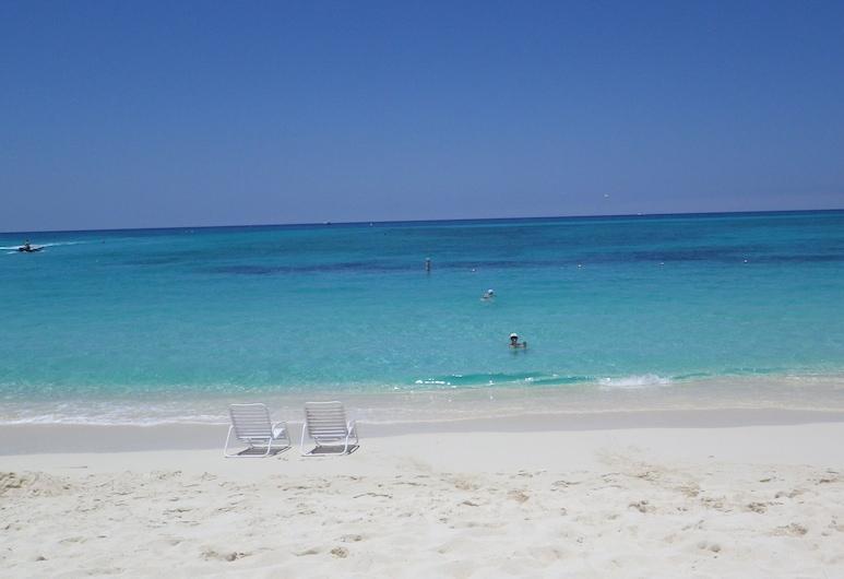 Sunrise Waterways by Cayman Vacation, Seven Mile Beach, Beach