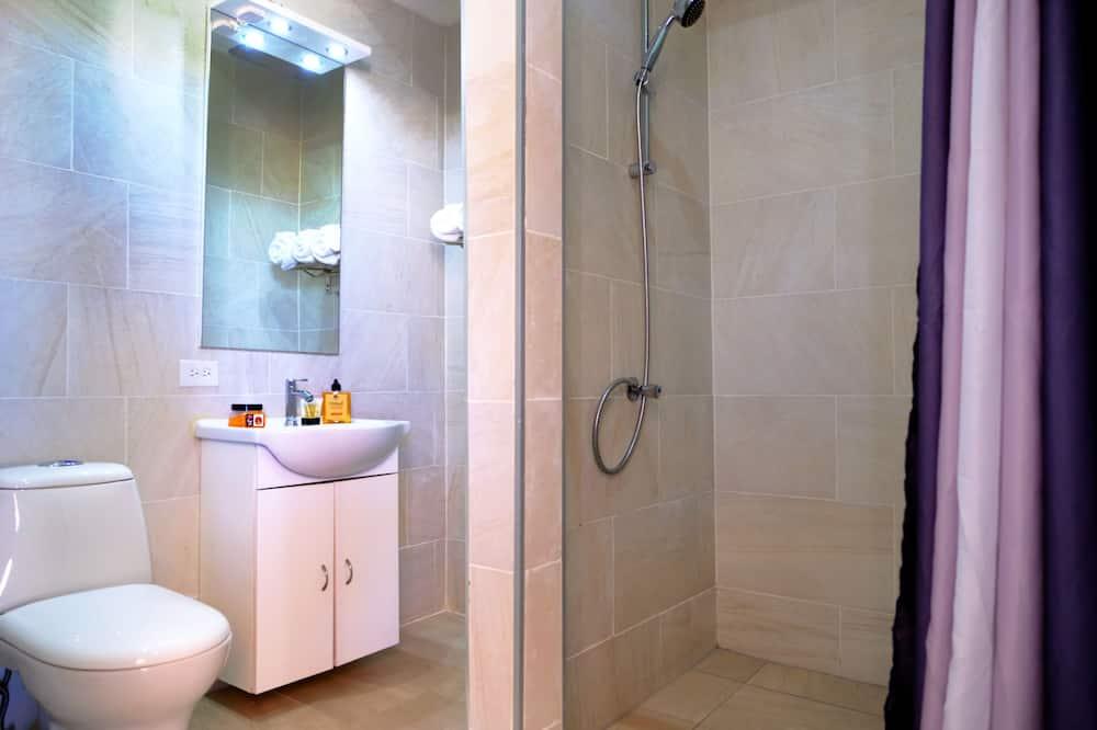 Deluxe-sviitti, 1 suuri parisänky ja vuodesohva - Kylpyhuone