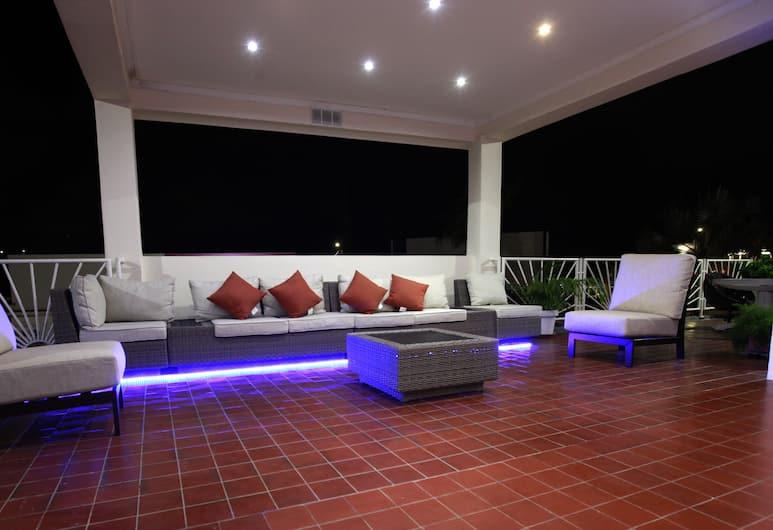 Victoria City Hotel, Oranjestad, Terrace/Patio