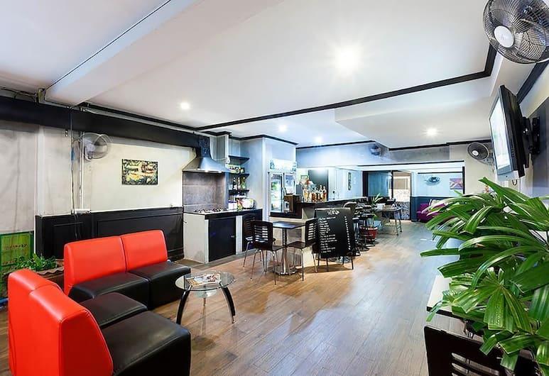 Bella Guesthouse Patong, Patong, Zitruimte lobby