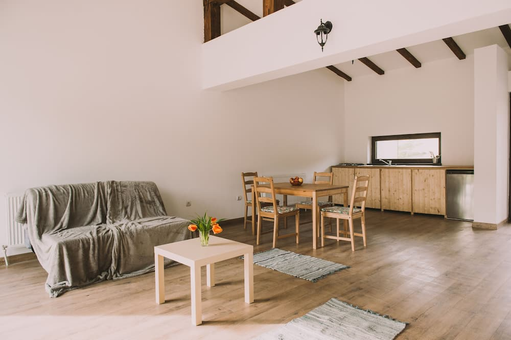 Cottage, Multiple Beds, Non Smoking - Living Area