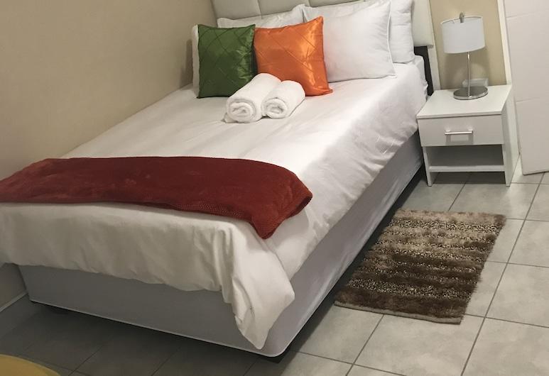 Exotic Guesthouse, וינדהוק, חדר משפחתי, חדר אורחים