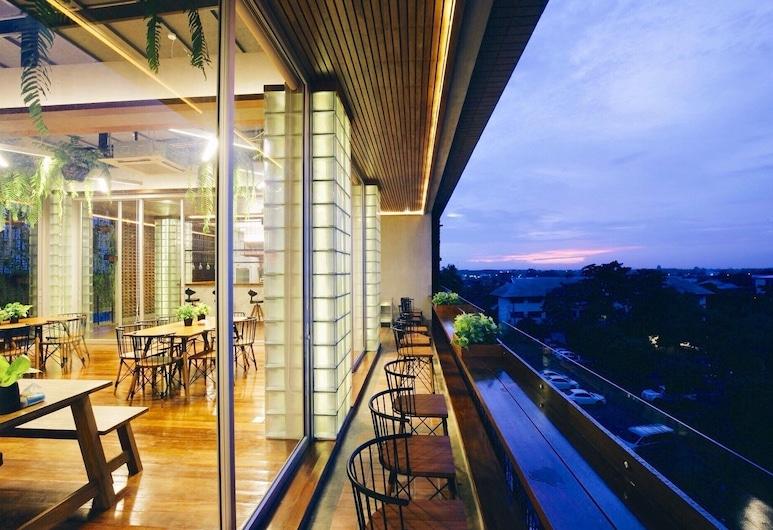 Laekhon Nonbai Hotel,  Nakhon Si Thammarat, Terrasse/Patio