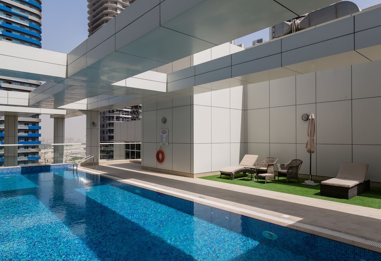 HiGuests Vacation Homes - Mon Reve, Dubai, Outdoor Pool