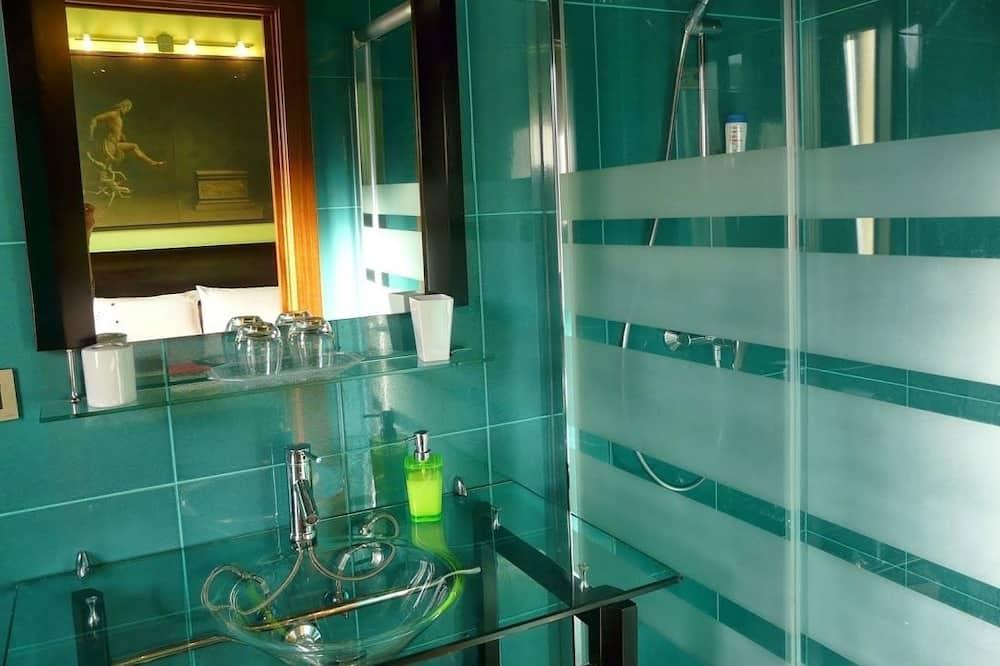 Δίκλινο Δωμάτιο (Double), 1 Διπλό Κρεβάτι, Μη Καπνιστών - Ντουζιέρα μπάνιου