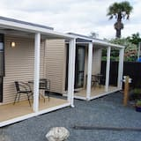Basic Μικρό Σπίτι, 1 Υπνοδωμάτιο (1 Tri-bunk) - Δωμάτιο