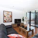 Luxury Apartment, 4 Bedrooms, 2 Bathrooms, City View - Living Area