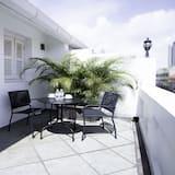 Chambre « Premier », 1 grand lit, balcon (Newly Renovated) - Balcon