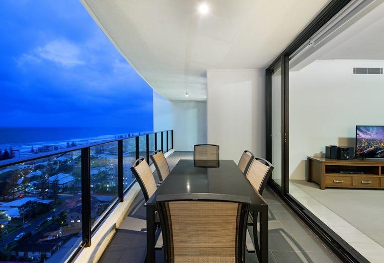 Sierra - Private Apartments, Broadbeach, Grand appartement, 3 slaapkamers, niet-roken, uitzicht op zee, Balkon