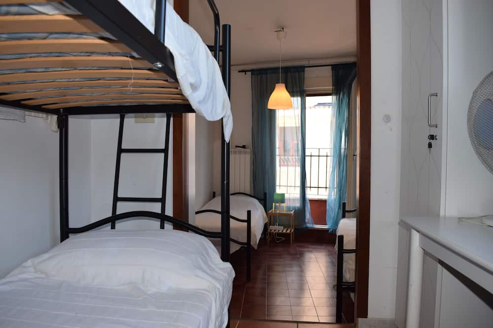 Standard Shared Dormitory, Women only, Shared Bathroom - Guest Room