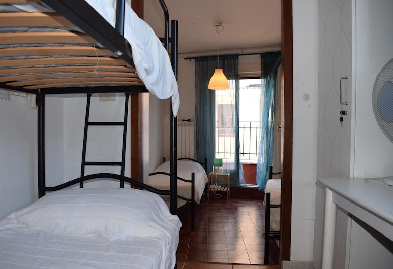 Bar dell'Artista Hostel, Ρώμη, Standard Κρεβάτι Ξενώνα, Μόνο για γυναίκες, Κοινόχρηστο Μπάνιο, Δωμάτιο επισκεπτών