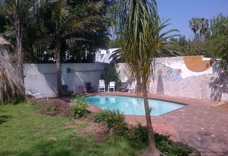 Rosebank Lodge & Backpacker, Johannesburg, Exterior