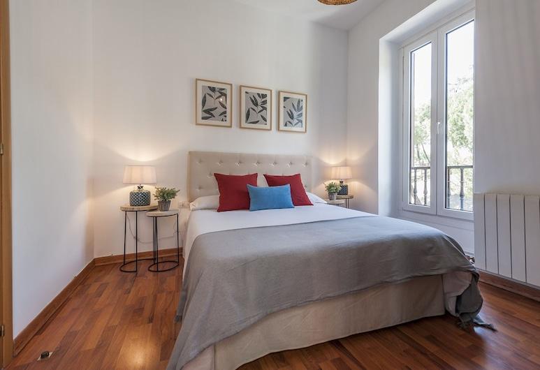Apartamento Catedral de la Almudena II, Madrid, Apartment, 3 Bedrooms, Room