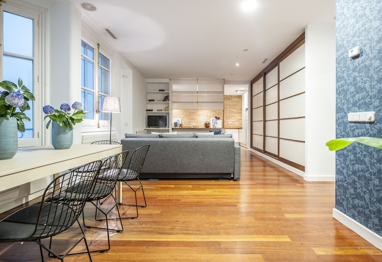 Alterhome Apartamento Fuencarral V, Madrid, Apartment, 3 Bedrooms, Living Room
