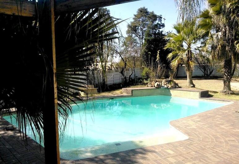 Fourways Boarding Lodge, Sandton, Vonkajší bazén
