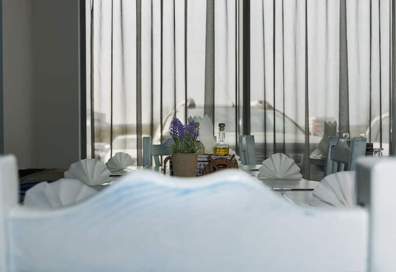 City Hotel, Burgas, Restaurant