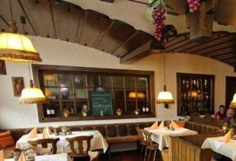 Gasthof Pension Zur Traube, Rothenberg, Restaurant