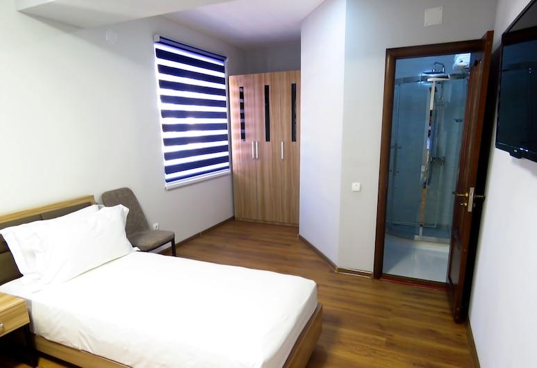 Отель Grand Hotel, Хорог, Двухместный номер «Комфорт», Номер