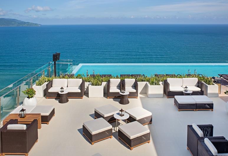 TMS Hotel Da Nang Beach, Дананг, «Бескрайний» бассейн