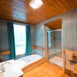 คอมฟอร์ทคอทเทจ, 2 ห้องนอน, พร้อมสิ่งอำนวยความสะดวกสำหรับผู้พิการ, วิวทะเลสาบ - ห้องน้ำ