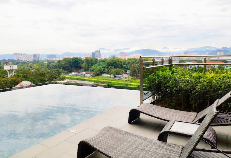 Expressionz Professional Suites by HostaStay, Kuala Lumpur, Infinity Pool