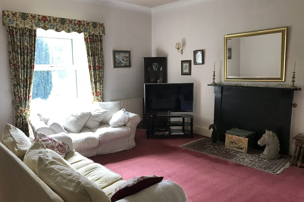 Family House, 3 Bedrooms, Kitchen - Living Area