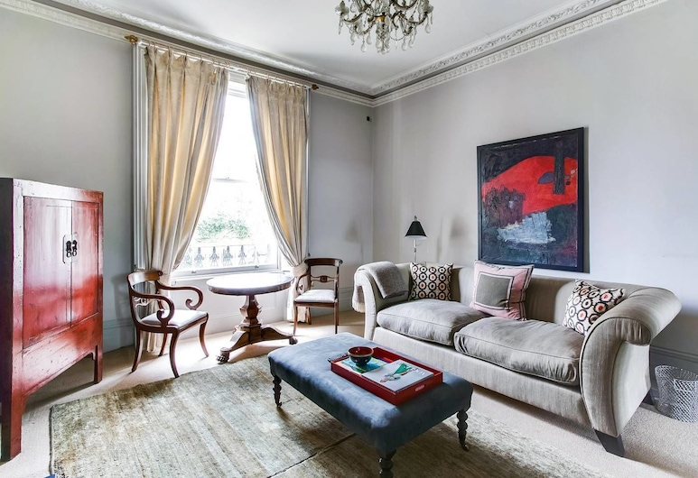 Beautiful 1 Bedroom Home in Little Venice, London, Lõõgastumisala