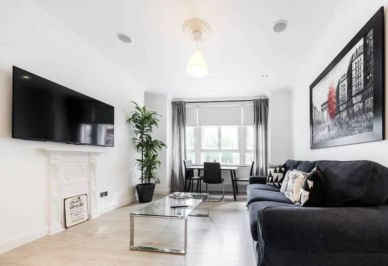Central London Home by Oxford Street, 6 Guests, Londra