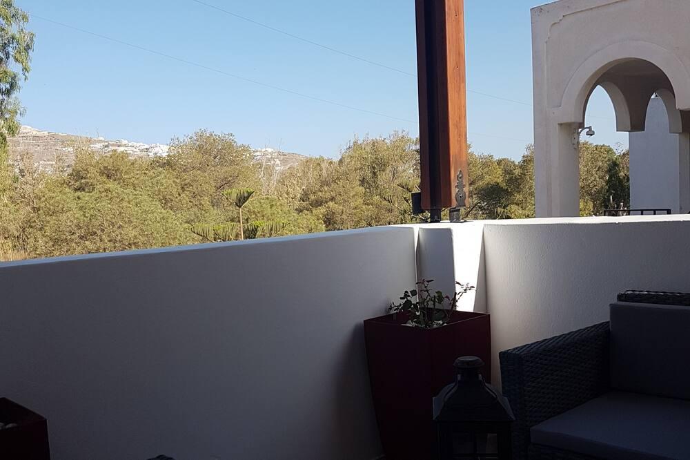 דירה, 2 חדרי שינה, נוף להר - מרפסת