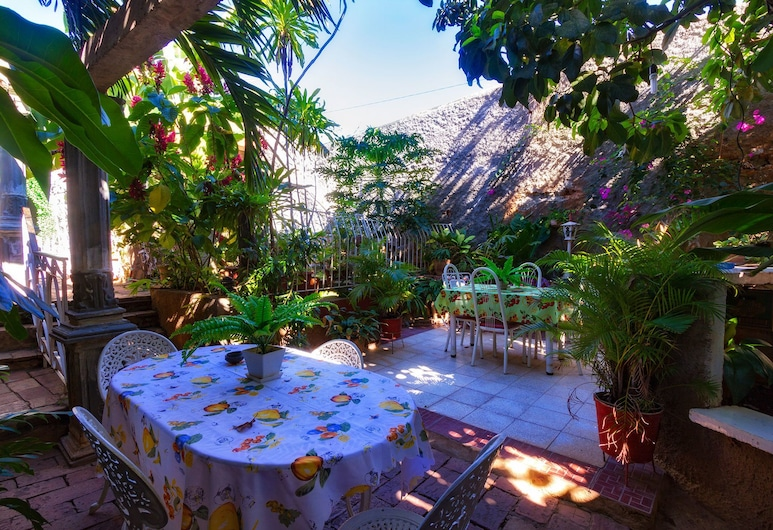 Casa Colonial Betty Saavedra, Trinidad, Terrasse/Patio