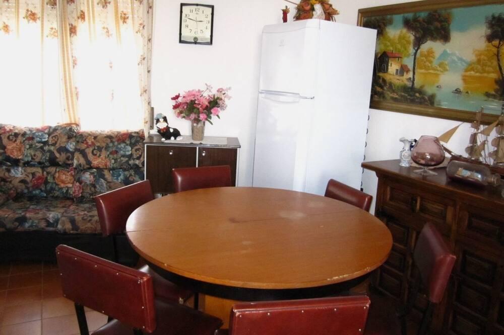 Ház, 4 hálószobával - Étkezés a szobában
