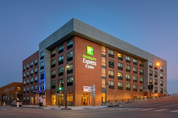 15 Closest Hotels to University of Tulsa in Tulsa | Hotels com